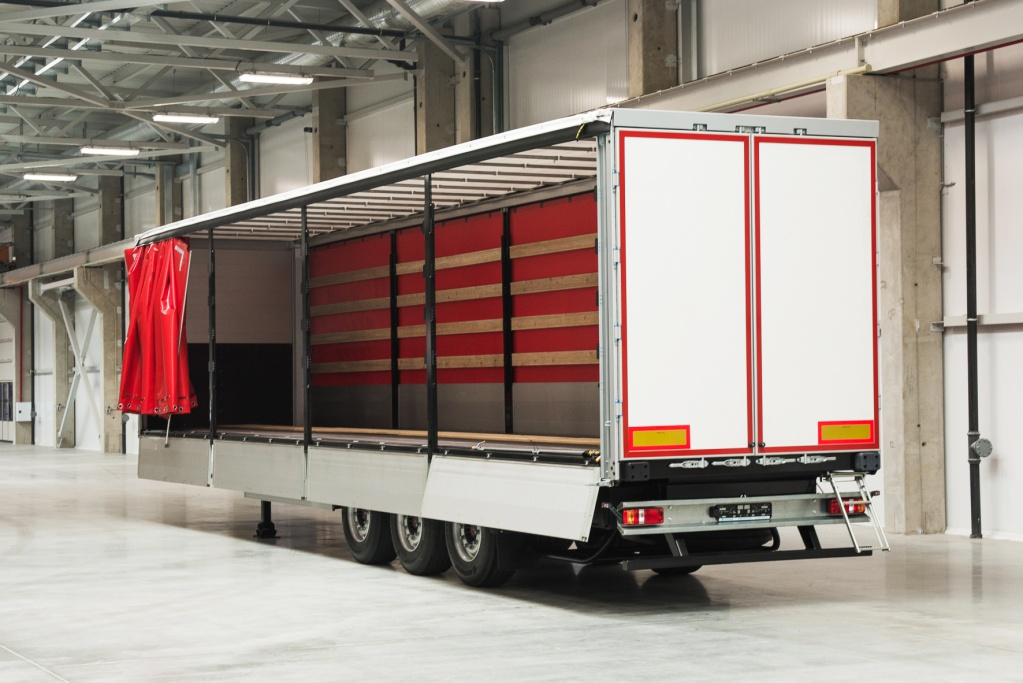 Curtain_sided_semitrailer_Gr-CSST_041.jpg